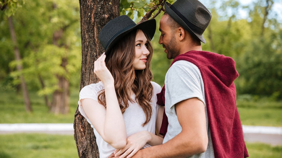 12 steps to make someone fall in love