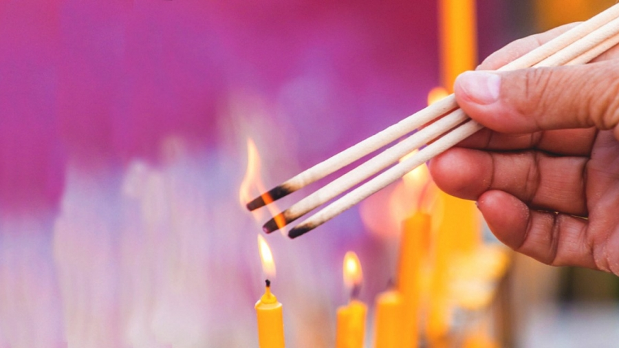how to burn incense